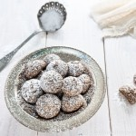 Black Sesame Amaretti Biscuits