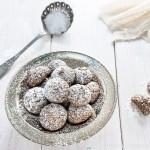 Black Sesame Amaretti Biscuits